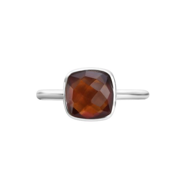 Shakara Jewellery, Bon Bon collection, cushion cut 8 mm - Garnet stacking ring.